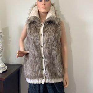 Nine West cute fury vest ❤️